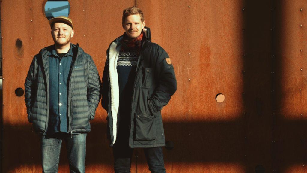 AKUSTISK DUO: Hans Martin Storrøsten fra Folldal, t.v., og Torbjørn Netland har gitt ut album. Foto: Torbjørn Netland