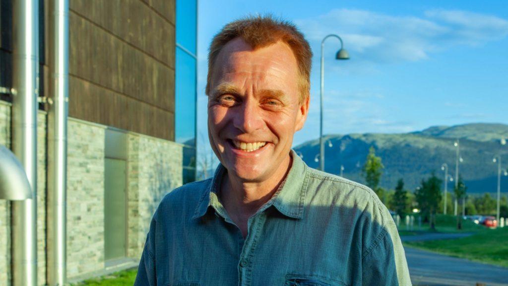 KARTLA MOBILFORHOLDENE: På oppdrag fra Regionrådet i Fjellregionen har Per Westgård sjekket mobilforholdene blant annet i Alvdal, Tynset og Folldal. Foto: Lars Vingelsgård